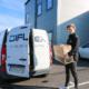 Våra nya medarbetare Jacob jobbar med IT-support på plats genom att göra fina leveranser av datorhårdvara